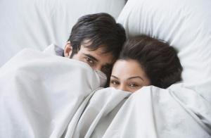 枕边悄悄话:增进夫妻感情的密匙
