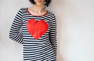 解析女性心理:爱吃醋,爱笑,爱挽手