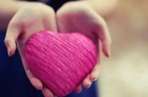 研究发现:压力大的人更爱助人为乐