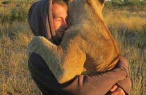 常被拥抱---心理素质更好